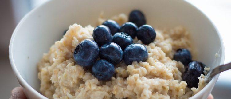 Afvallen door te ontbijten met havermout of muesli