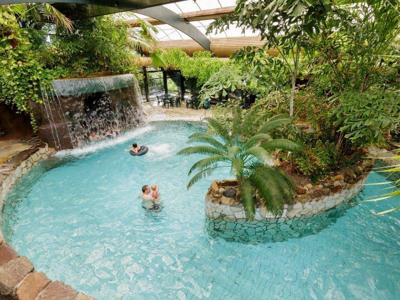Vakantieparken in nederland met subtropisch zwembad dik