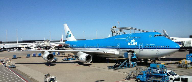 Hoe lang voor je vlucht moet je op Schiphol zijn?
