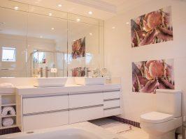 Nieuwe Badkamer Poetsen : Hoe kun je het beste de voegen in je badkamer schoonmaken? dik.nl