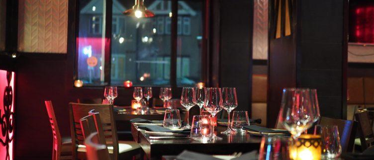 Hoe kun je een diner in een restaurant kado geven?