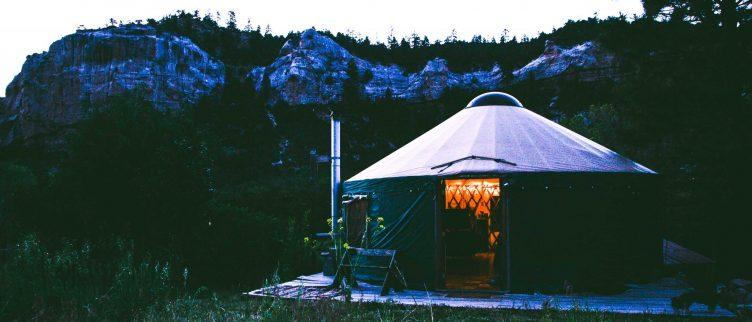 Waar kun je overnachten in een yurt in Nederland?