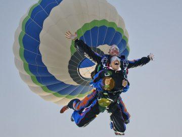 afbeelding Skydiven uit een luchtballon