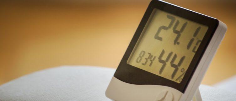 Wat kun je doen tegen een droge lucht in huis?