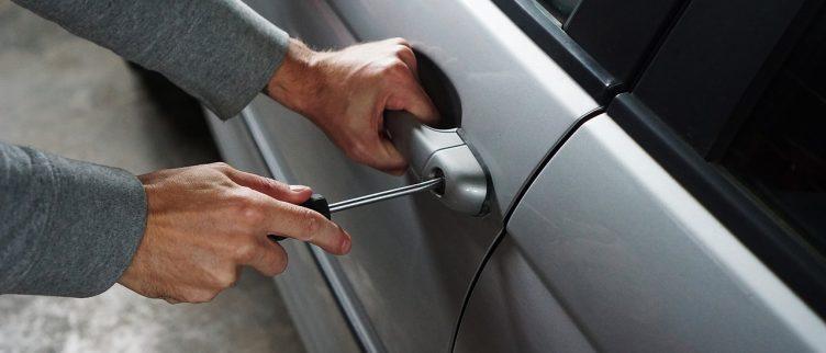 11 tips om een auto inbraak te voorkomen