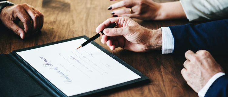 Hoe vind je een goedkope notaris?