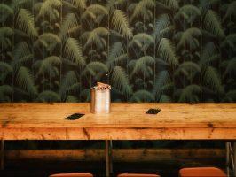 Houten Tafel Opknappen : Tips om een houten tafel op te knappen dik