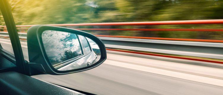 Hoe wordt het energielabel op een auto bepaald?