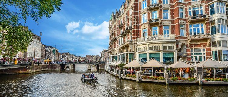 6 opties om een boot te huren in Amsterdam