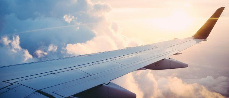 Hoe kun je een privéjet huren en wat kost het?