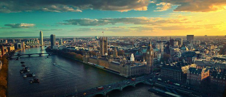 Wat is het beste vliegveld om op te vliegen naar Londen?